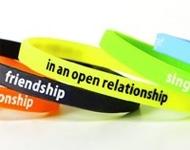 Le bracelet silicone pour trouver l'âme sœur ?