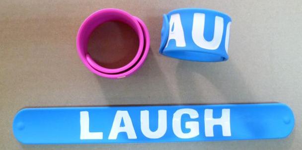 Les bracelets slap personnalisés : égayez votre été !