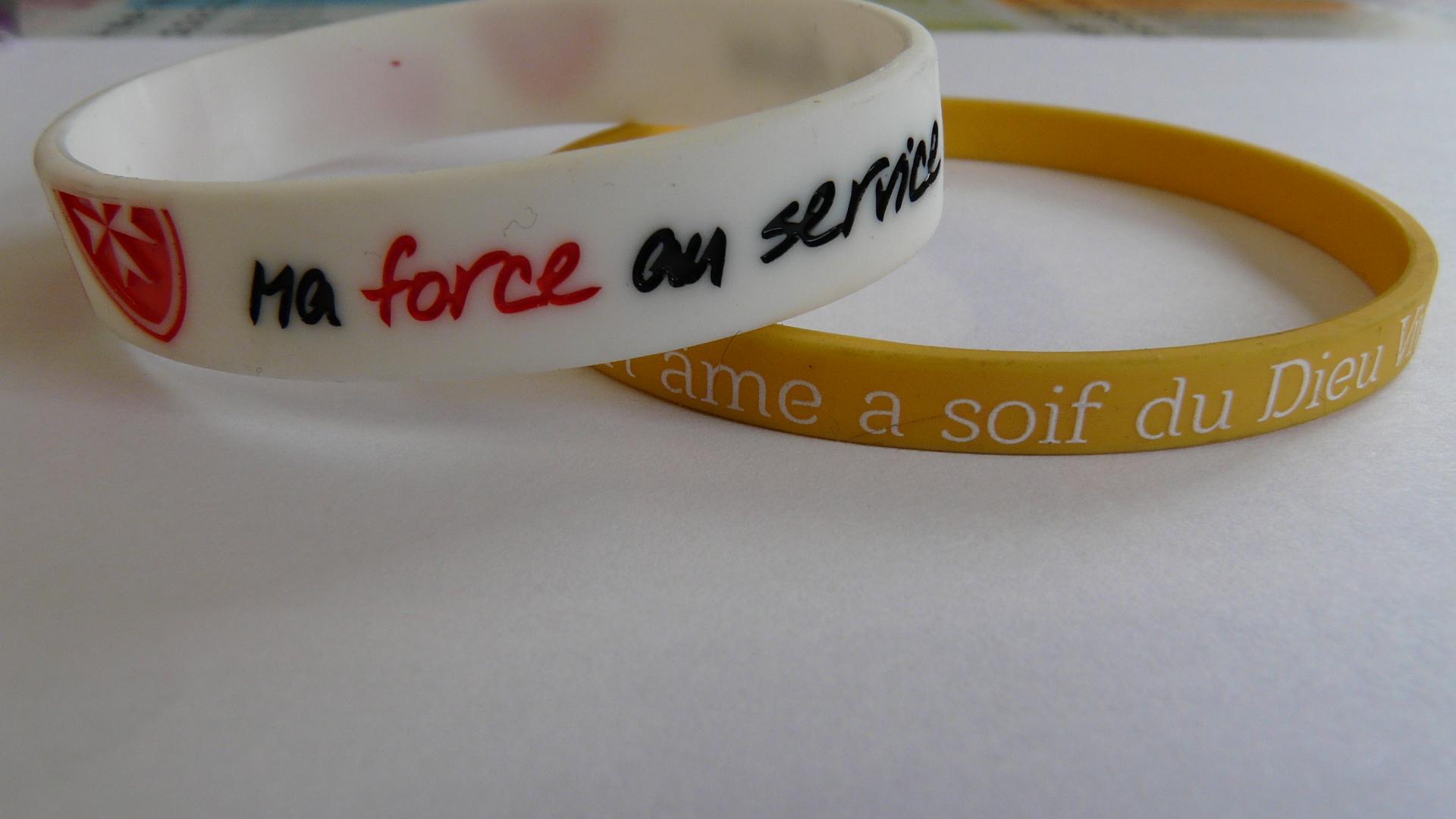 Faites passer votre message pieux avec le bracelet silicone