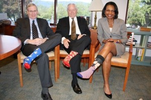 condoleeza-rice-chaussettes-anniversaire-Georges-Bush-pere