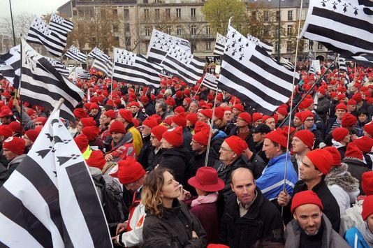 Les bonnets rouges : quand l'objet devient LE symbole