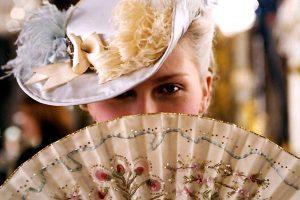 eventails-personnalises-accessoires-fetiches-des-star-Kisten-Dunst-Marie-Antoinette