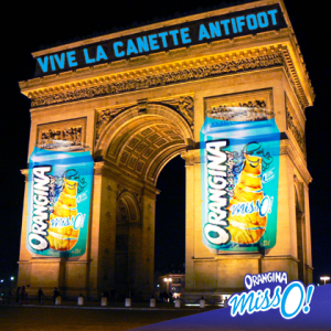 Le-buzz-d-Orangina-Miss-O-et-de-sa-cannette-anti-foot