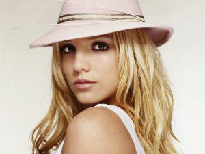 Beyonce-Britney-Spears-Bastian-Baker-meme-combat-avec-les-goodies-online4