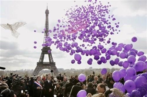 Tout-savoir-sur-le-gonflage-des-ballons-a-l-helium-2