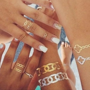 Les-tatouages-temporaires-metalliques-par-FEMINA