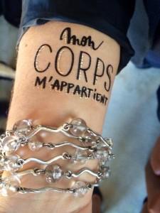 Les-tatouages-temporaires-symboles-de-la-campagne-du-droit-a-l-IVG-5