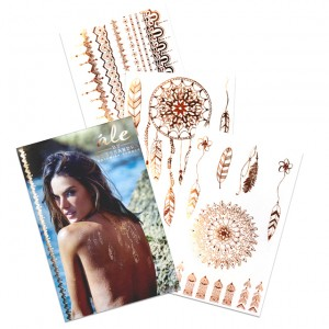Les-tatouages-temporaires-dorés-d-Alessandra-Ambrosio-1