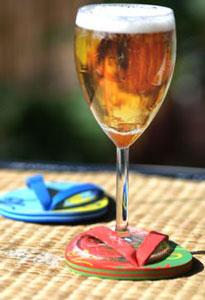 Cet été, offrez des tongs à vos verres!